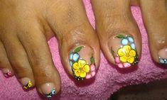 Pretty Toe Nails, Wow Nails, Cute Nails, Pedicure Nail Art, Toe Nail Art, Summer Toe Designs, New Nail Art Design, Painted Toes, Floral Nail Art