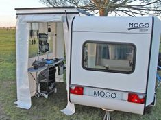 Tiny Mogo Freedom trailer transforms into a camper for two Small Camping Trailer, Small Travel Trailers, Tiny Trailers, Small Trailer, Vintage Campers Trailers, Camper Trailers, Tiny Camper, Small Campers, Camper Life