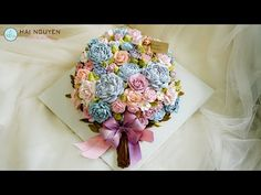 How To Decorate Beautiful 3D Flowers Cake   Cách Trang Trí Tạo Hình Bánh Hoa Xinh Xắn - YouTube Frosting Recipes, Cake Recipes, Flower Cupcakes, Buttercream Cake, Cake Tutorial, Cake Cookies, Floral Tie, Cake Decorating, Decorative Boxes