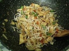 DADAR TELUR Cah Toge versi Pedas Gurih recipe step 5 photo