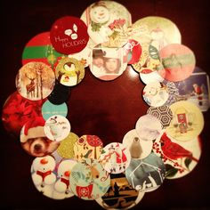 Recycled old Christmas cards to make a wreath Easy Christmas Decorations, Christmas Card Crafts, Old Christmas, Christmas Cards To Make, Diy Christmas Ornaments, Family Christmas, Christmas Projects, Vintage Christmas, Christmas Holidays