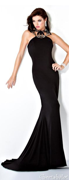 JOVANI - Black Gown - The Pretty lady in black - #thejewelryhut