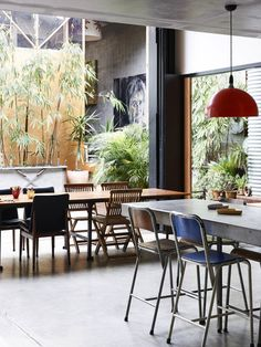 Although a home, has a nice communal feel that would suit a cafe. James Powditch and Diane Adair — The Design Files Home And Living, Home And Family, Home Furniture, Outdoor Furniture Sets, Warehouse Home, Cute Living Room, Concrete Kitchen, Concrete Bench, Kitchen Benches
