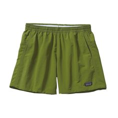 The Patagonia Women's Baggies™ Shorts are the original funhog, all-dependable, up-for-anything shorts. Made of nylon recycled). Patagonia Outfit, Patagonia Shorts, Casual Skirt Outfits, Pretty Outfits, Pretty Clothes, Patagonia Baggies, Board Shorts Women, Ladies Dress Design, Clothes For Women
