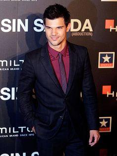 Taylor Lautner :-) yum