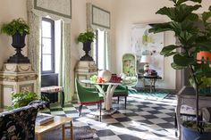 Lynn Chalk: GREEN Custom Drapes in Brunschwig & Fils Les Touches in Black. Drapes shown in picture are Flat Panels and Double Wide in Black. Interior Design Process, Luxury Interior Design, Interior Design Inspiration, Boho Inspiration, Green Apartment, Custom Drapes, Design Firms, Decorating Your Home, Interior Decorating