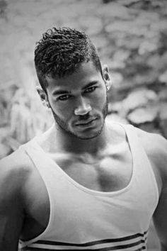 short-hairstyles-for-black-men-with-curly-hair-enhance-your-curly-mohawk-for-menthe-awesome-in-addition-to-beautiful-curly-mohawk-for-men-for-provide-style-suitable-for-official-event-400x600.jpg (400×600)