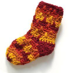Носочки для малыша. Вяжем крючком.  Socks for baby. Knit crochet