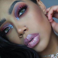 Lime Crime: Vegan & Cruelty Free Makeup for Unicorns Glitter Lipstick, Glitter Eye Makeup, Lipstick Colors, Lip Colors, Glitter Gloss, Glitter Hair, Makeup Trends, Makeup Inspo, Makeup Inspiration