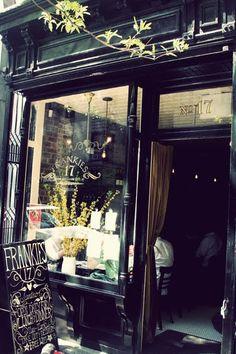 Couple dans un bar parisien, années 1960 Paul Almasy Cafe Restaurant, Cafe Deli, Restaurant Design, Cafe Nyc, Deco New York, Bar Deco, Café Bistro, Le Shop, Café Bar
