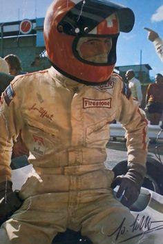 Jo Siffert Types Of Races, Sport F1, Races Style, Gilles Villeneuve, F1 Drivers, Car Engine, Vintage Bikes, Car And Driver, Courses