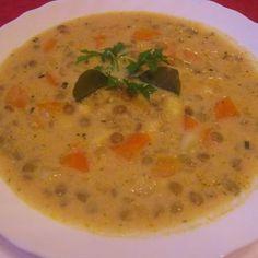 Egy finom Egyszerű tárkonyos lencseleves ebédre vagy vacsorára? Egyszerű tárkonyos lencseleves Receptek a Mindmegette.hu Recept gyűjteményében! Healthy Soup Recipes, My Recipes, Diet Recipes, Vegan Recipes, Hungarian Recipes, Hungarian Food, Winter Soups, Slow Cooker Soup, Ketogenic Recipes