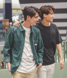 Brigth y Win the series Handsome Faces, Handsome Boys, Best Kdrama, Bright Wallpaper, Bright Pictures, Cute Gay Couples, Thai Drama, Model Street Style, Cute Chibi