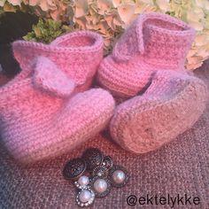 ektelykke crochet booties