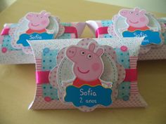 Caixa Travesseiro G Peppa Pig Pig Crafts, Diy And Crafts, Pig Birthday, Birthday Parties, Cumple Peppa Pig, Bird Party, Party Favor Bags, Childrens Party, Party Supplies