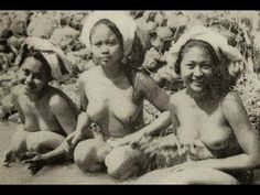 Bali 1946 Video Documentary - History Of Bali Tribal Women, Tribal People, Old Pictures, Old Photos, Vintage Photographs, Vintage Photos, Bali Girls, Indigenous Tribes, Old Portraits