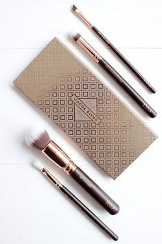 It has been a while since I purchased a product solely because of the hype. Whilst I refrained for the best part of a year from buying the Zoeva Rose Gold Brush set, I did find myself giving in quite