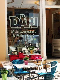 Unique D ri Milchwerkstatt is more than a Frozen Yogurt shop Besides FroYo with many