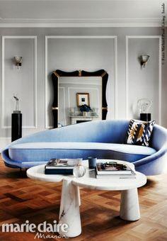 A Notting Hill nella dimora di Angela Dunn e Colin Radcliffe. Morden Living Room, 1950s Interior, Italian Sofa, Curved Sofa, Notting Hill, Fabric Sofa, Modern Sofa, Accent Furniture, Elle Decor