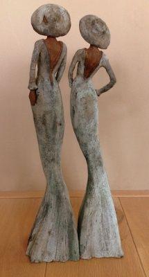 Twee+vrouwfiguren+keramiek+-++50+cm+hoog+-+Charlesstonstyle+€+350