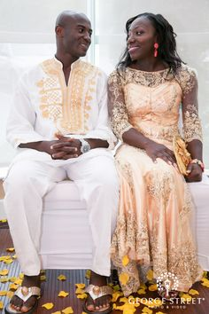We love when couples incorporate cultural traditions into their big day! would change the cut of the dress somewhat but the idea and overlay of the lace are nice. Hijab Wedding Dresses, Disney Wedding Dresses, Hijab Bride, African American Weddings, African Weddings, Ghana, African Wedding Attire, Afro, African Love