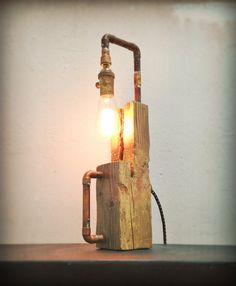Encontrar objeto escultura de luz - lámpara madera resistida vuelva a encender…