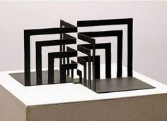 Luís Sacilotto - Concreção 5942 – 1959 Concept Models Architecture, Paper Architecture, Architecture Design, Cardboard Sculpture, Sculpture Art, Kirigami, Op Art, Geometric Sculpture, Cube Design