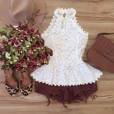 BLUSA PEPLUM NA RENDA OFF WHITE C/ BOJO Girl Fashion, Fashion Looks, Fashion Outfits, Fashion Design, Cute Dresses, Beautiful Dresses, Summer Dresses, Looks Style, Casual Looks