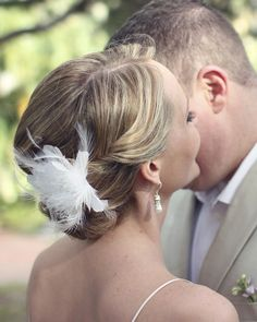 This brides hair was only shoulder length! Perfect hair accessory <3