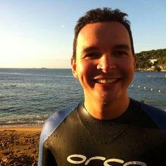 ágora MÉDICA: V.I.P: Juan Gabriel Acosta, ¡UN RETO EN EL HORIZONTE Cruzar el estrecho a nado por una buena causa.