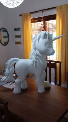 Moldes Diy Paper, Paper Crafts, Styrofoam Art, Holiday Homework, Unicorn Pinata, Cute Ponies, Cardboard Crafts, Unicorn Birthday Parties, Craft Party
