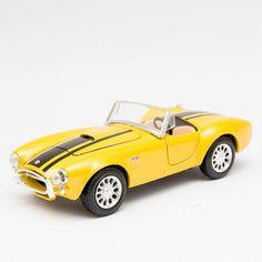 Miniatura 1965 Shelby Cobra 427 Amarelo - Maisto - 1:24 - Machine Cult - Kustom Shop   A loja das camisetas de carro e moto