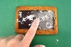 Edible Chalkboard Cookies Chalkboard Cake, School Chalkboard, Cupcake Toppers, Cupcake Cakes, Cupcakes, Bulletin Board Paper, Creative Desserts, Good Food, Fun Food