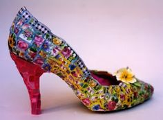 Mosaic projects :: Valerie's clipboard on Hometalk  Well, how fun is this??!  a great use for all those lovely heels that I can't walk in!