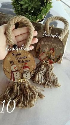 Set of 6 twine Christmas tree ornaments for rustic country home decoration Farmh Wooden Christmas Decorations, Easy Christmas Ornaments, Christmas Crafts To Make, Primitive Christmas, Rustic Christmas, Christmas Projects, Simple Christmas, Handmade Christmas, Holiday Crafts