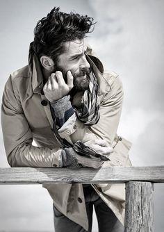 Ditch the Hoodie: Men's Rugged Style Photos) - Suburban Men Fotografie Portraits, Fashion Fotografie, Rugged Style, Style Brut, Men's Style, Hipster Hairstyles, Hairstyles Men, Stylish Hairstyles, Look Man