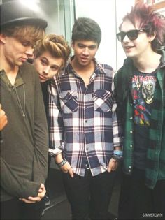 5SOS gives me heart problems
