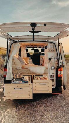 Build A Camper Van, Camper Van Life, Van Conversion Interior, Van Interior, Europa Tour, Kombi Home, Bus Living, Van Home, Bus Life