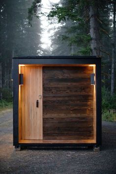 Shipping Container Office, Shipping Container Design, Cargo Container Homes, Container House Design, Container Store, Shipping Containers, Container Garden, Container Architecture, Sustainable Architecture