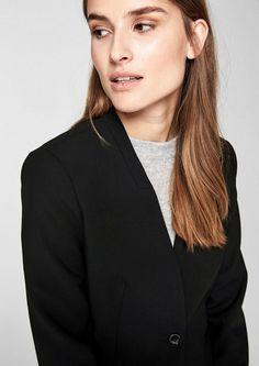 s.Oliver BLACK LABEL Modischer Blazer ohne Revers für 99,99€. Cleanes Design ohne Kragen und Revers, Mit einem Knopf verschließbar bei OTTO