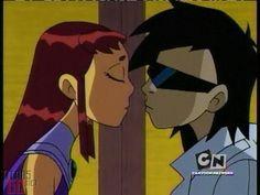 Beso de Robin y Starfire- Teen Titans