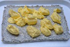 Prăjitură cu mac, cocos și cremă de vanilie • Gustoase.net