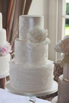 Cake Magic UK Ruffle lustre cake at Burhill Golf Course