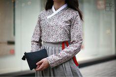 traditional Korean dress hanbok-leesle-03-fashioninkorea
