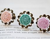 Spring Garden Flower Ring. Mix of colorful Florwers on Filigree Rings. Victorian Wedding Rings, Bridesmaid Gift, Set of 3 rings.adjustable