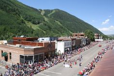 Here's a list of the best events, concerts, festivities and more going on this week in beautiful #Telluride. Can't make it to 4th of July in Telluride? Make sure you watch the Wednesday parade on our LIVE WebCam! Have a happy and safe 4th!
