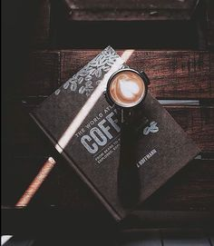 Are You Into Coffee? Check Out This Coffee Advice! Coffee Is Life, I Love Coffee, Coffee Break, My Coffee, Coffee Shop, Coffee Cups, Morning Coffee, Coffee Photos, Coffee Date