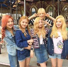 Red Velvet  - Beğenmeyi ve yorum bırakmayı unutmayın#exo#apink#bts#redvelvet#bigbang#blackpink#monstax#twice#got7#gfriend#seventeen#fx#shinee#tara#vixx#mamamoo#suju#ioi#pentagon#clc#4minute#2ne1#korea#kpop#kdrama#asia