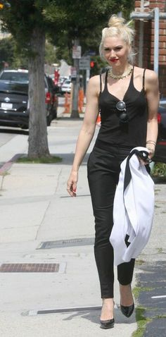 Gwen Stefani Fashion and Style - Gwen Stefani Dress, Clothes, Hairstyle - Page 4