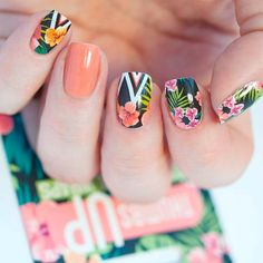 Tropical nail art designs are in vogue because summers give you unlimited options to flaunt your nails in peppy styles. Tropical Nail Designs, Tropical Nail Art, Nail Designs Spring, Cool Nail Designs, Tropical Flowers, Spring Nail Art, Spring Nails, Summer Nails, Fabulous Nails